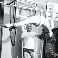 Joseph Pilates avec Roberta Peters sur Cadillac